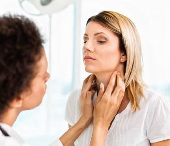 Doctors Treat Thyroid Cancer Saint Francis Healthcare System